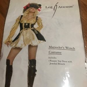 Leg Avenue Marauder Wench Costume